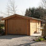 Spacieux et élégant garage en bois