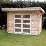 abri moderne avec un auvent à toit plat