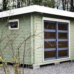 Abri de jardin peint à toit plat